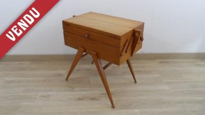 pied compas bureau vintage bureau pied compas bureau annes bureau vintage datant des annes trs. Black Bedroom Furniture Sets. Home Design Ideas